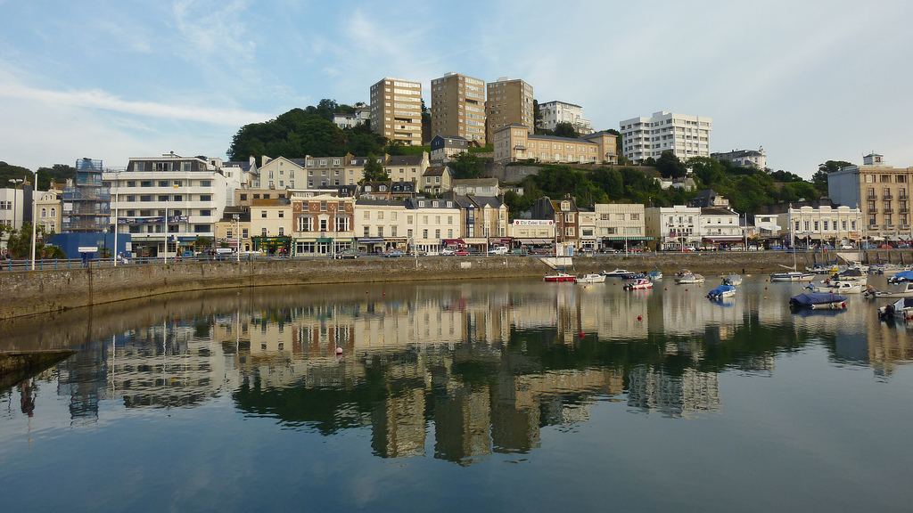 Rent from landlord in Torquay